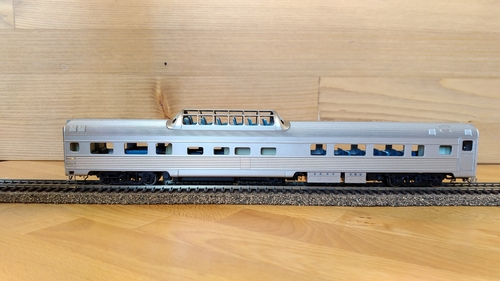 Unlettered dome car